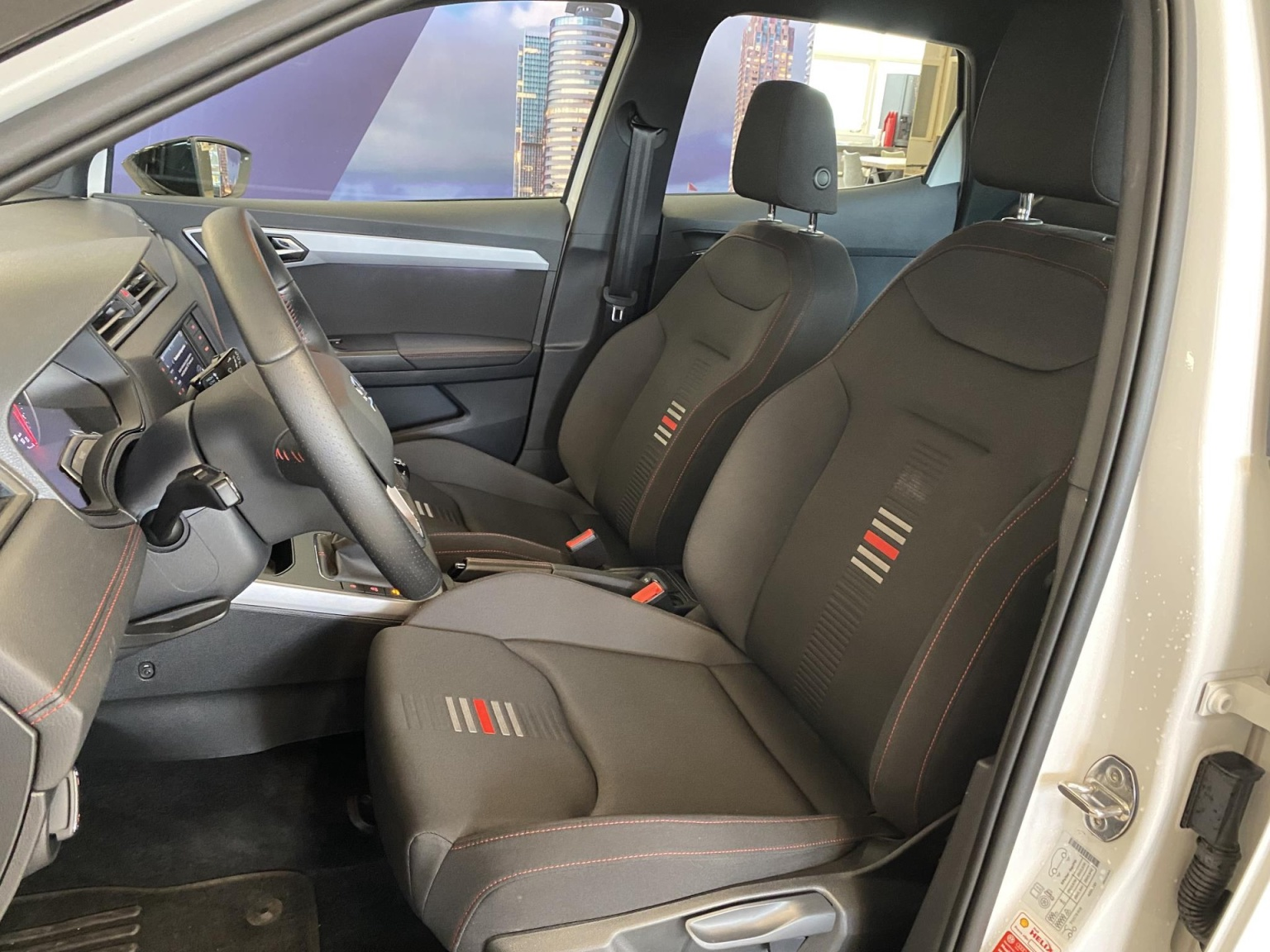 SEAT-Arona-11