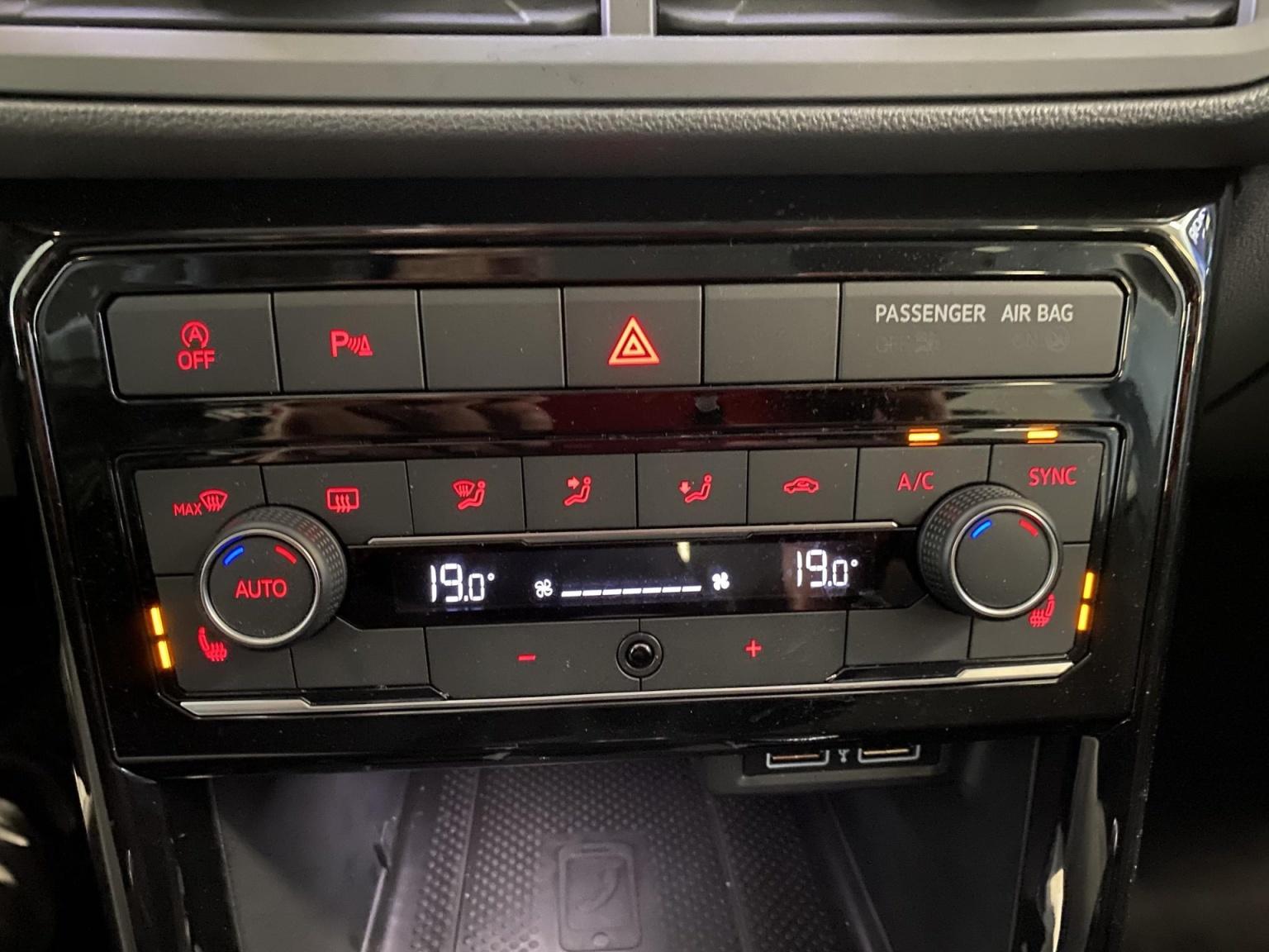 Volkswagen-T-Cross-24