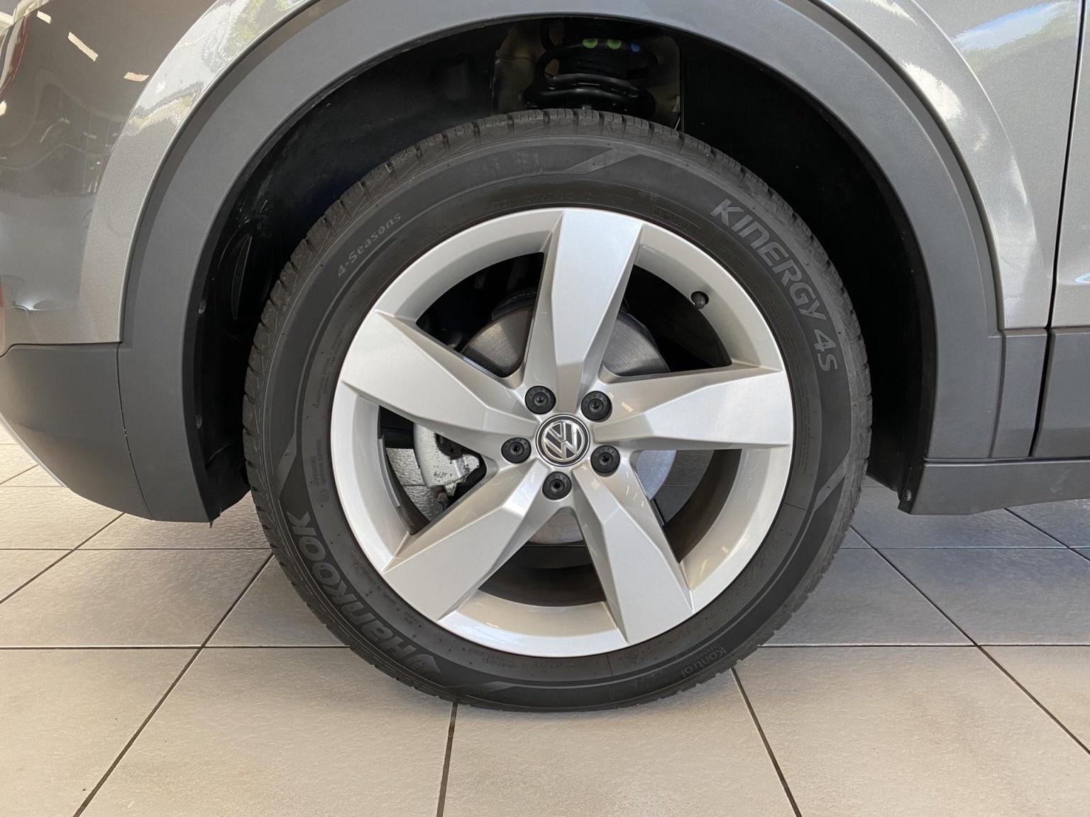 Volkswagen-T-Cross-8